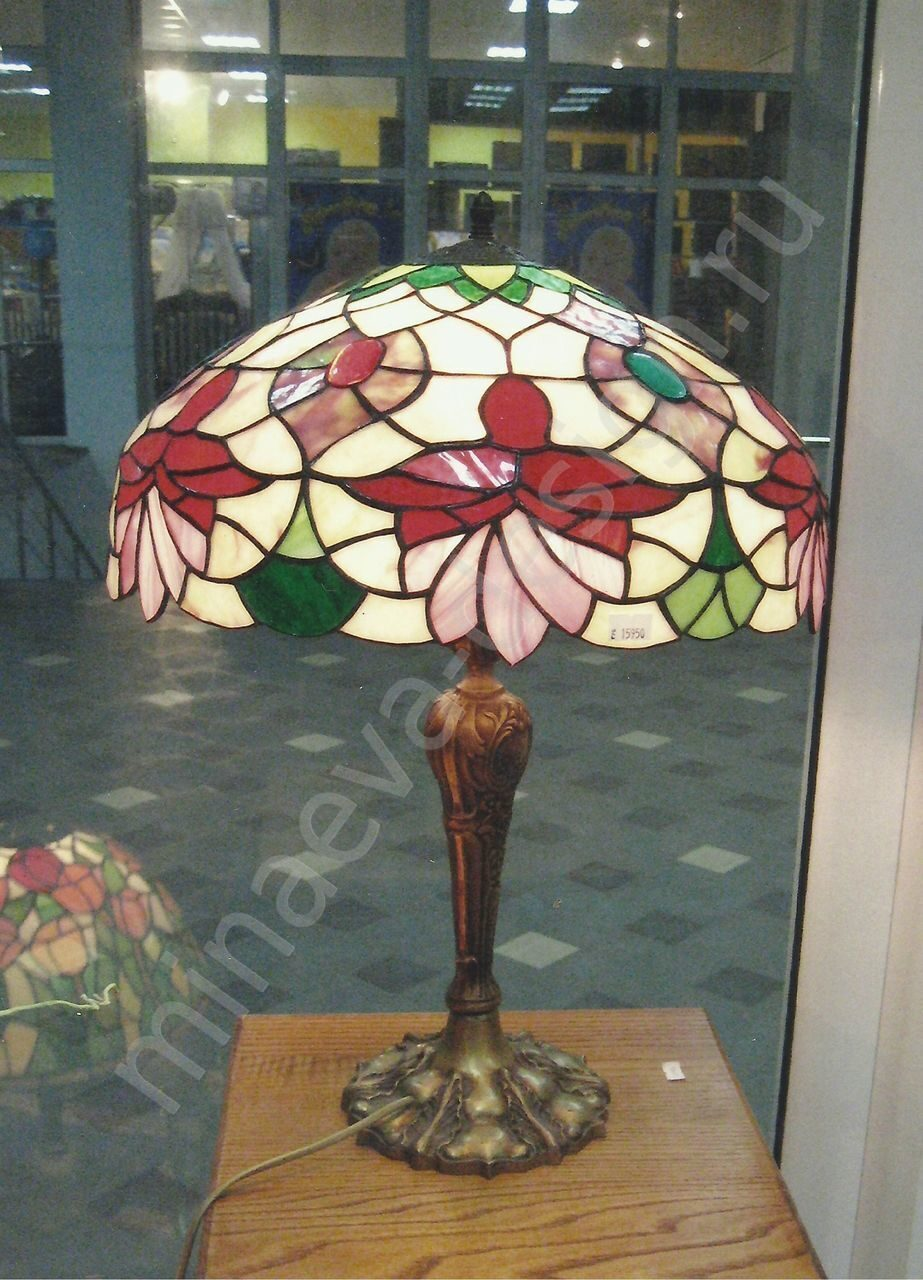 Tiffany table lamps - L44