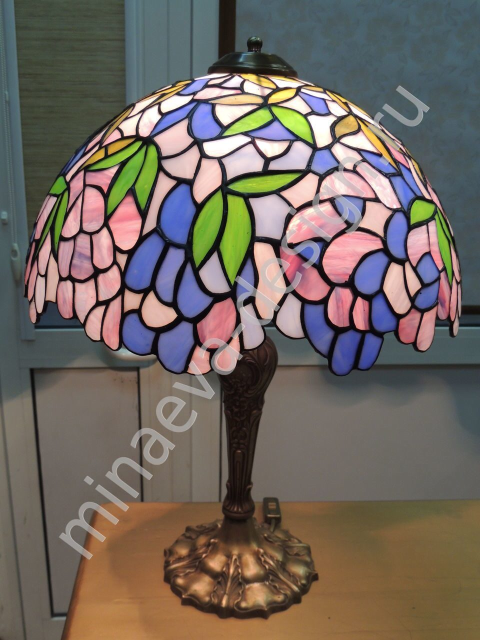 Tiffany table lamps - L77